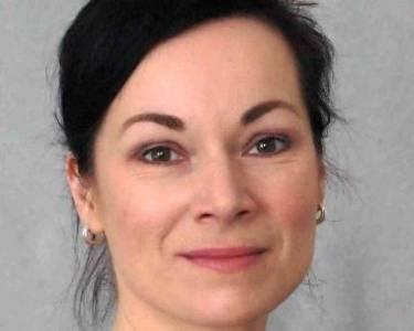 Dr. Stefanie Wolter